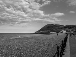 Bray Promenade and beach. Photo by Sean Dwyer 18/05/2018